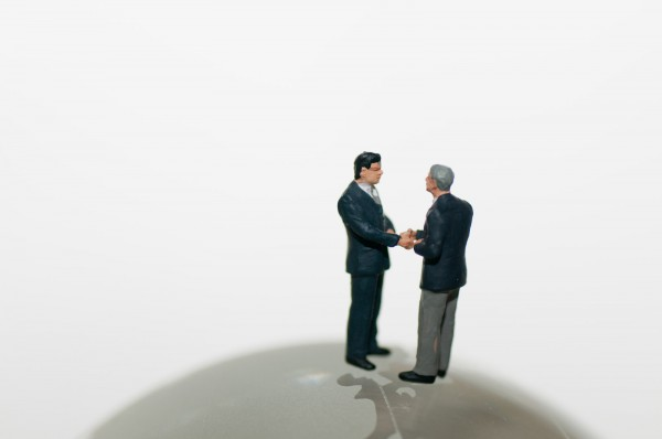 ポイント3:開業のための諸手続きは自分でできることと、専門家に頼むことを分ける